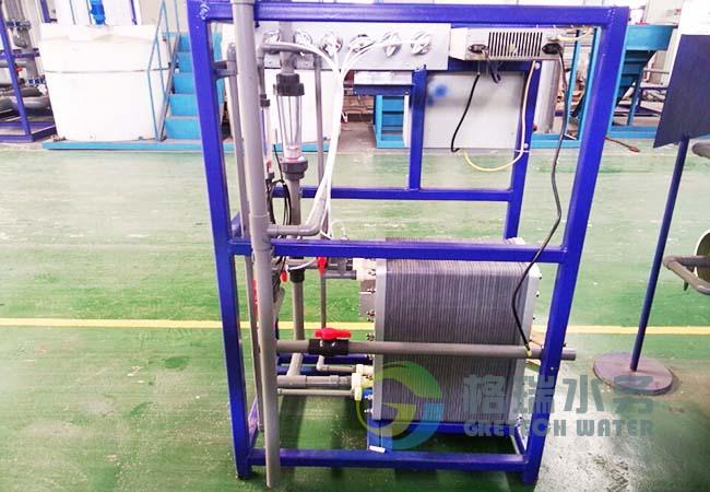 采用3T/HEDI超纯水设备过滤出的水不含任何的杂质和菌