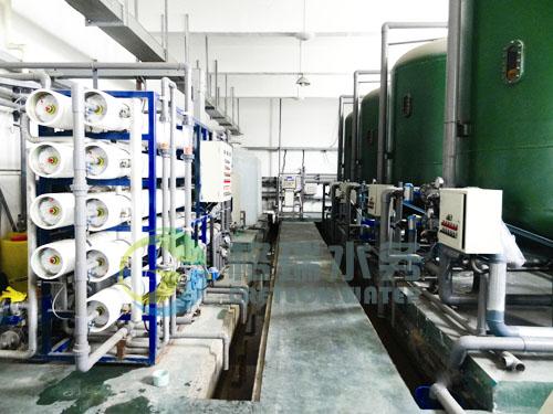 设备可实现自动化运转,纯水储水箱满载后,设备自动停止运行。各水箱中均有液位浮球阀,通过控制液位来保护各级水泵,控制系统各部分运行状况